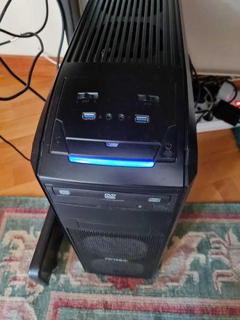 PC Desktop com i7 4790 3.6GHZ 8GB RAM