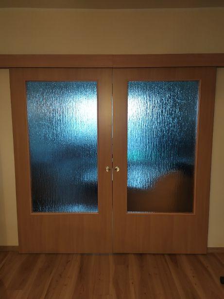 Drzwi przesuwne przeszklone