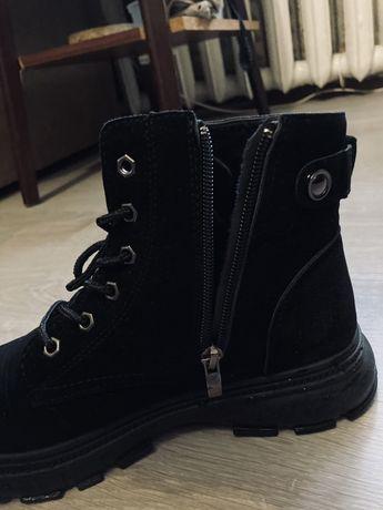 Теплые осенние ботинки