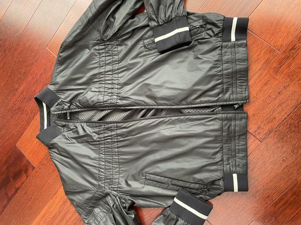 Куртки вітровки Moncler , boss ,Lagerfelo ,Kapraun .