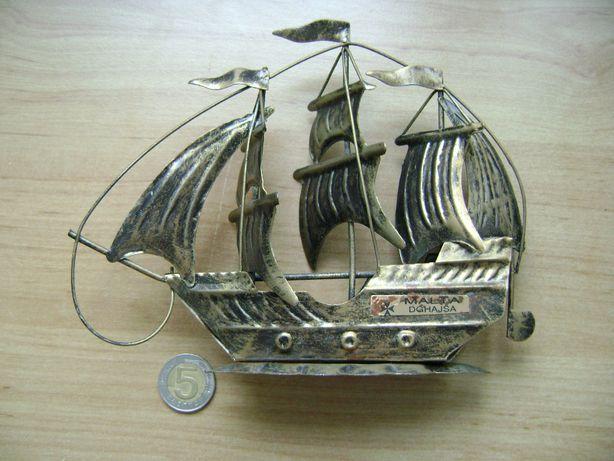 Starocie z PRL = Statek blaszany z Malty