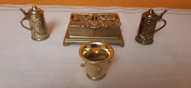 Kasetka na biżuterię z mosiądzu i miniaturki