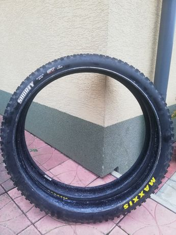 Maxxis Shorty 27.5 x 2.40 ST DH Casing