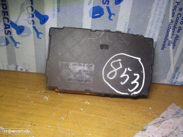 Caixa fusiveis 8264105011 TOYOTA / AVENSIS / 1998 /