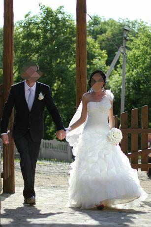 Свадебное платье, туфли в подарок