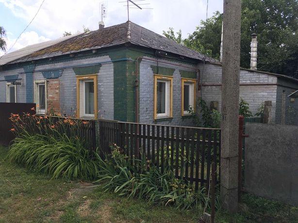 Продам пів будинку