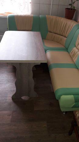 Стол кухонный.Мягкий кухонный уголок цена отдельная