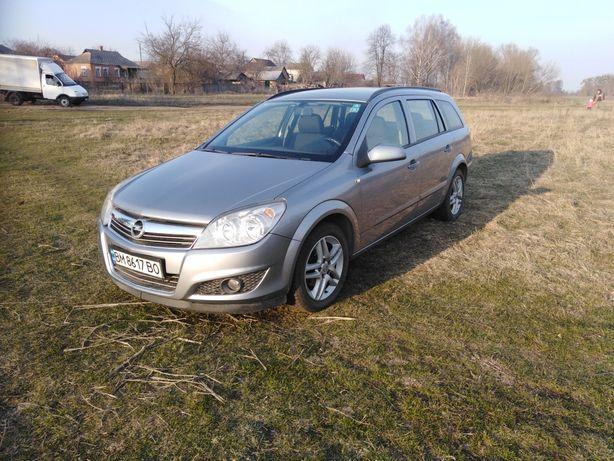 Opel Astra h 1.4 gaz