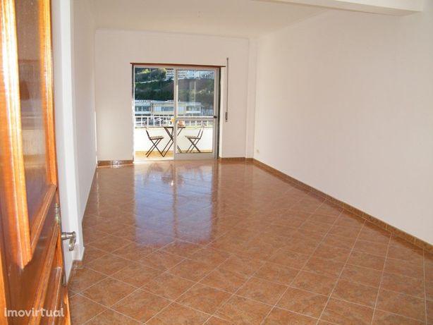 Apartamento T2 centro Malveira