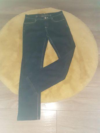 Spodnie jeansowe Denim rozmiar 146