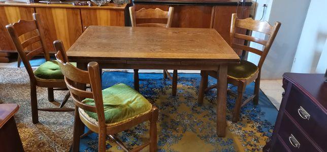 Stary stół z krzesłami PRL
