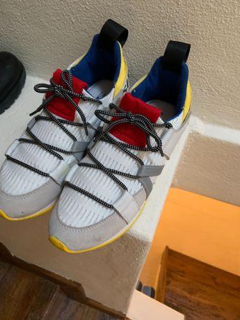 VENDO sapatilhas, entrego em mão na zona de Felgueiras