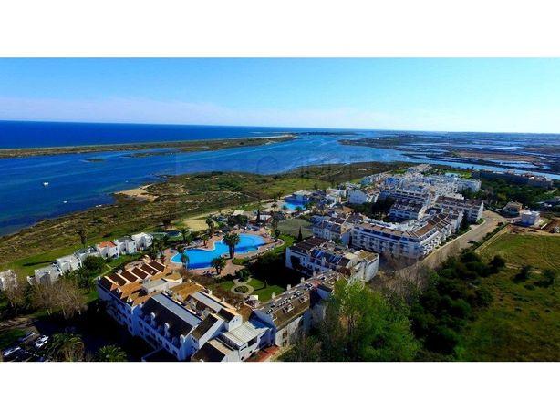 Estúdio T0 + 1, Resort Golden Club Cabanas – Oportunidade...