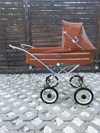 Wózek dziecięcy z czasów prl