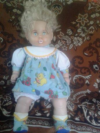 Продам красивую куклу в хорошие руки