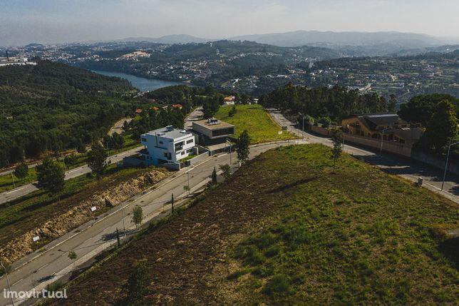 Lote para Construção Moradia 4 Frentes (Praia de Arnelas/Rio Douro)