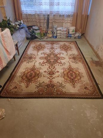 Dywan pokojowy duży pilnie sprzedam