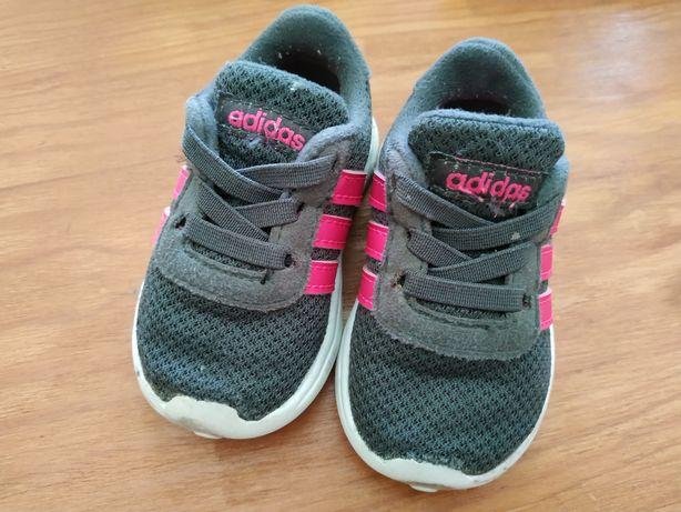 Sapatilhas Adidas de Bebé, tamanho 18