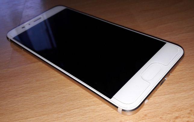 Huawei P10; model VTR-L29; złoty