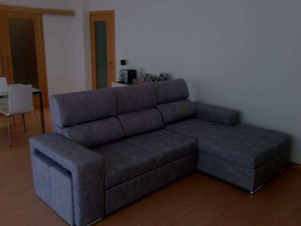 SOFÁ úNiKdesign – com chaise long & baú arrumação, cama casal + 2 puff