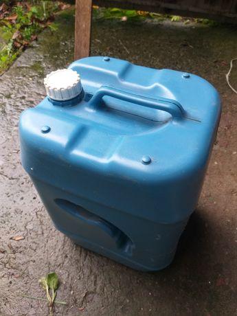 Bańki plastikowe Kanistry 20L używane 20 sztuk