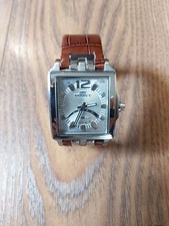 Zegarek Bisset coronal.
