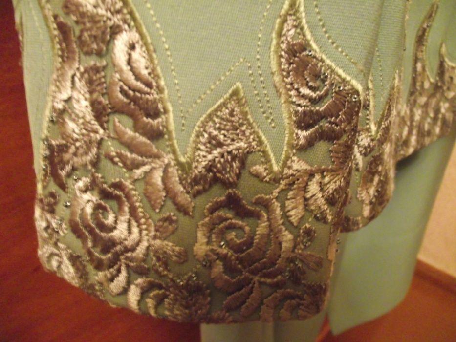женский костюм приятного салатного цвета Сумы - изображение 1