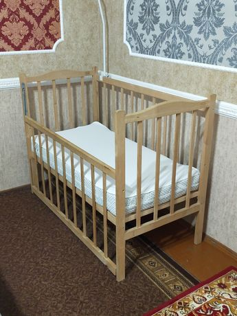Продам детскую кровать с матрацем