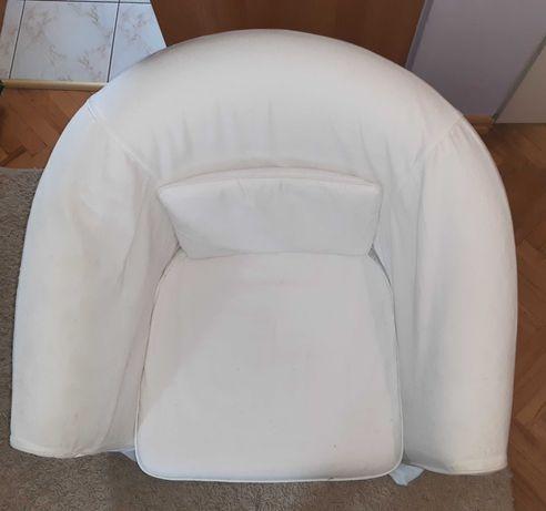 Fotel Ikea sprzedam w bardzo dobrym stanie, pokrowiec w kolorze bieli.