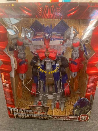 TRANSFORMERS Optimus Prime Leader Class Revenge of the Fallen