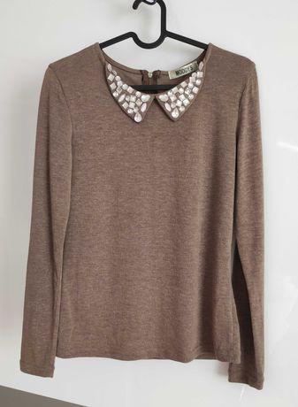 Bluzka - sweterek z ozdobnym kołnierzem