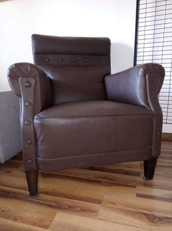 Skórzany wygodny antyczny fotel
