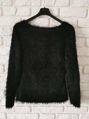 Czarny sweterek Wassyl
