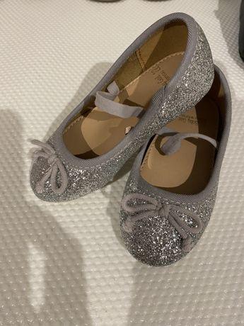 Sapatos Zippy tamanho 22