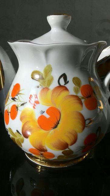 Сервиз(Кремгэс, чайная пара, заварник, сахарница, ручная роспись)