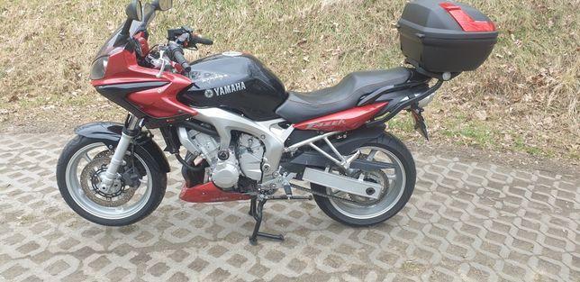 Yamaha FAZER 600cm³