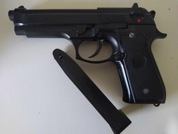 Pistola de airsoft Beretta