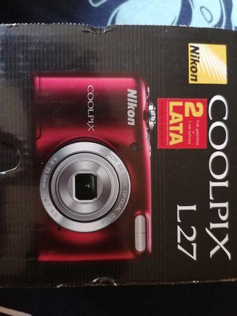 Nikon Coolpix czerwony