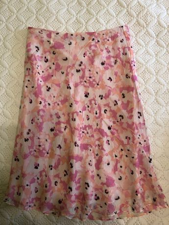Różowa spódnica w kwiatki