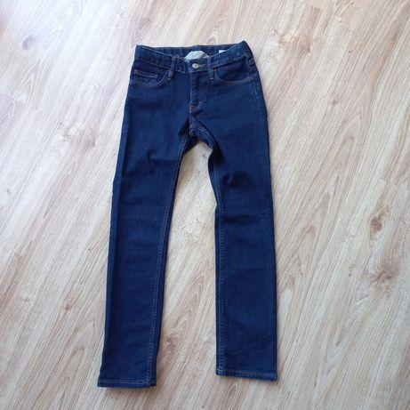 Jeansy dżinsy slim 134 klasyczne ciemne spodnie H&M