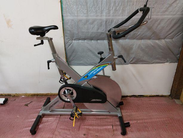 Rower spinningowy LeMond RevMaster od Life Fitness!