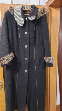 Зимове каракульове пальто