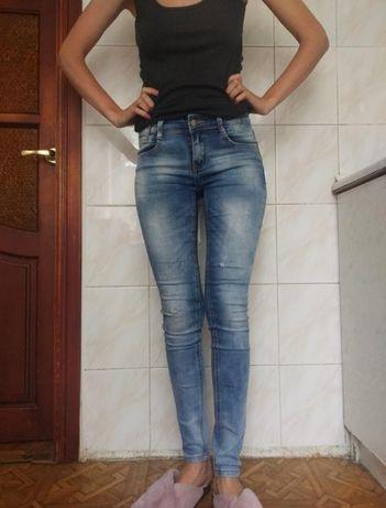 Джинси, штани джинсові