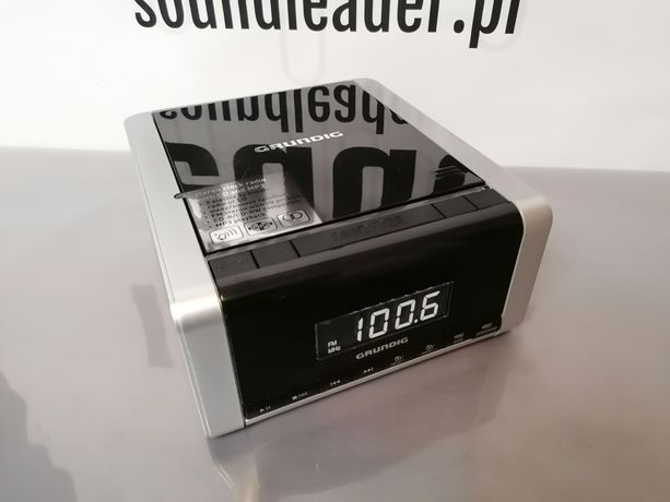 Grundig CCD 5690 radiobudzik odtwarzacz płyt CD MP3