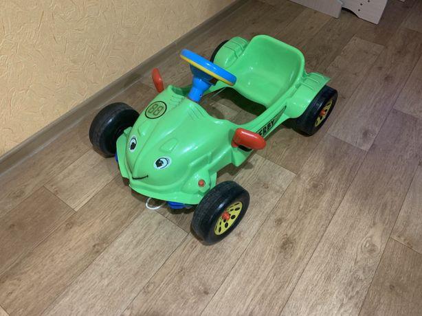 Детская машина педальная