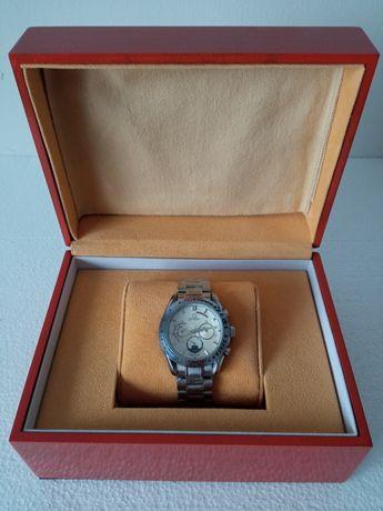 Relógio Omega Speedmaster + Caixa