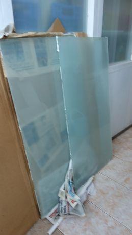 Vende-se dois vidros laminados foscos