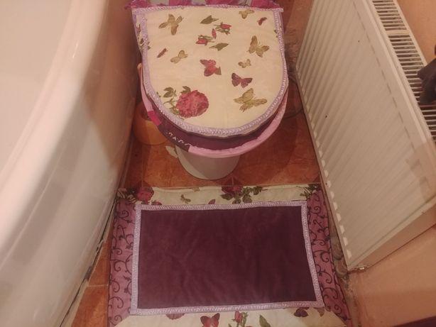 Чехол для унитаза .Набор ковриков для ванной