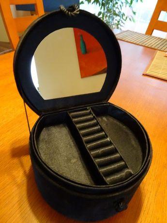 KUFEREK /Pudełko na biżuterię z LUSTERKIEM Czarny Aksamit