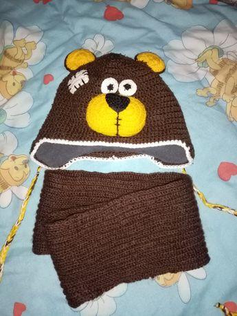 Вязаная шапка + шарф хомут